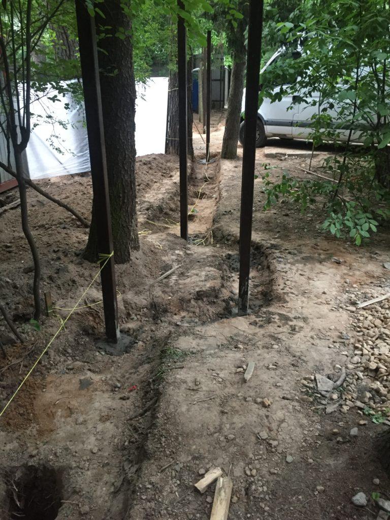 забор из габионов первый этап
