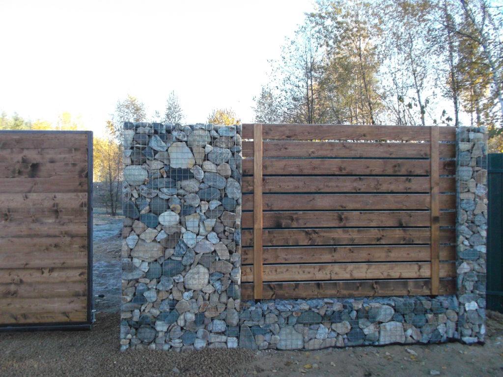Забор, покрашенный Пинотекс Ультра